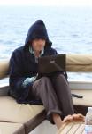 25.4.2014: Nein, nur Helge auf einem ägyptischen Tauchschiff beim Romanschreiben.