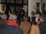 """12.12.2014: Kalt, aber trocken - """"Schandgold"""" im Hof von Herbers Scheune in Saulheim."""