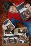 """26.6.2014: Die Bücherkiste vom Verlag ist angekommen. Endlich - """"Schandgold"""" in den Händen!"""