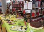 15.3.2015: Der Tisch in der Wormser Stadtbibliothek ist lecker gedeckt.